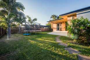 This private brick cottage home is located in the ever popular West Mackay and is handy to parks, re...