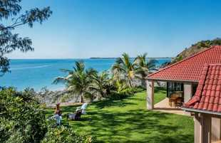 Magnificent views over the Pacific Ocean and along the coastline. Beautiful, private sitting areas t...