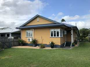 This family friendly cottage is located in one of Mackay's most sort after suburbs of West Mackay &...