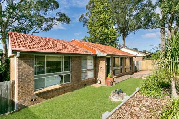 Don't miss out on this beautiful 3 bedroom home, close to public transport, shops and local schools.