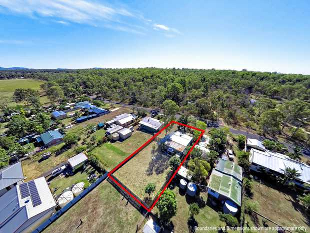 Located just approximately 20 minutes from the city of Bundaberg, this home is set on a quarter of an...