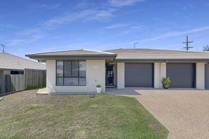 Single Level in Avoca Park Villas!