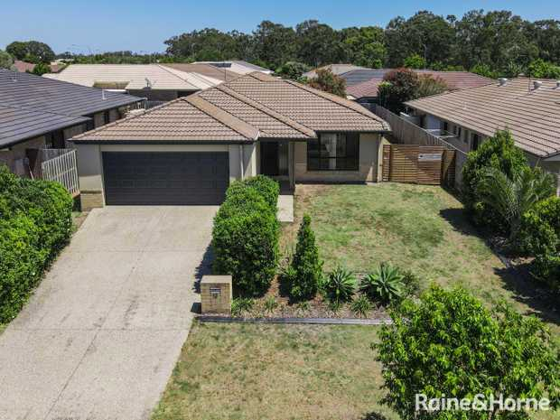 This well appointed 4 bedroom home has everything you need for comfortable living. Located in Augustus...