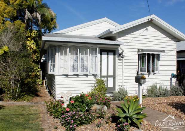 This lowset cottage is well present and maintains its original character, located in close proximity of...