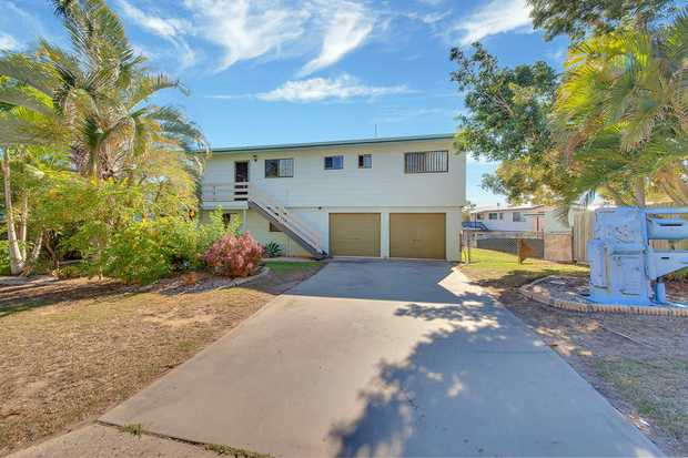 * Excellent opportunity to get into the market with this great home in central Tannum Sands * Upper...