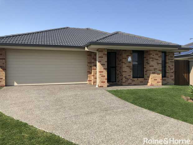This outstanding low maintenance home is located in popular Seabreeze Estate and has everything a...