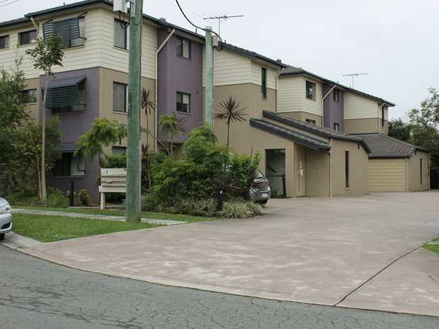 This 2 bedroom, two bathroom unit is centrally located in Caboolture. This unit is within easy access...