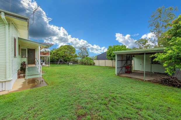 This 3 bedroom home is vacant and ready for new owners now.  Set on a flat 637m block, the backyard is...