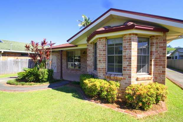 This well presented and spacious home is located on popular Loaders Lane offering easy living with...