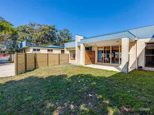 This modern villa style home is centrally located only moments from Coffs Harbour's CBD and at the r...