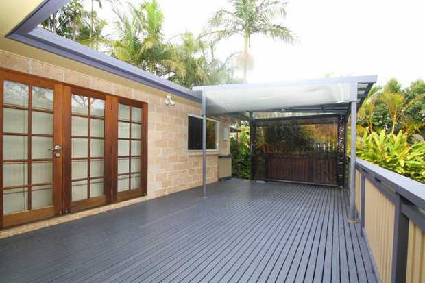 This private home is ideally located between Coffs Harbour CBD and the Jetty offering easy and relax...