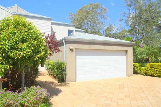 This beachfront address is set to impress, set over 2 spacious levels and overlooking Korora Beach...