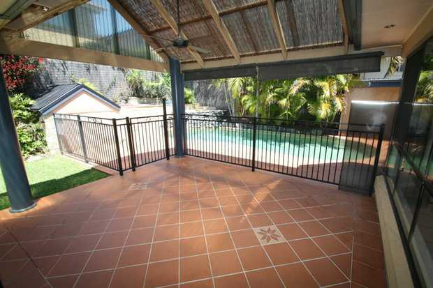 This 2 level large family home at Diggers Beach is just 10 minutes North of Coffs Harbour's CBD and...
