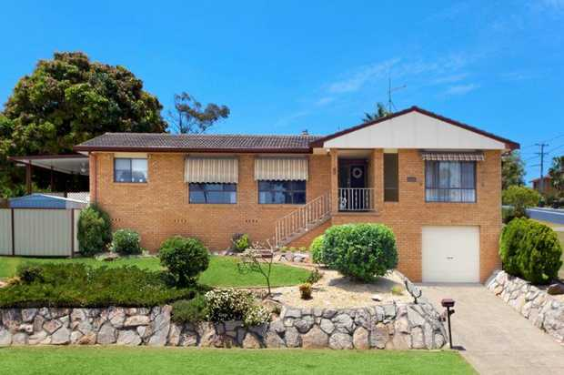 Exclusive to NSW Real Estate, and with transport at the door, this Sawtell address is just a short d...