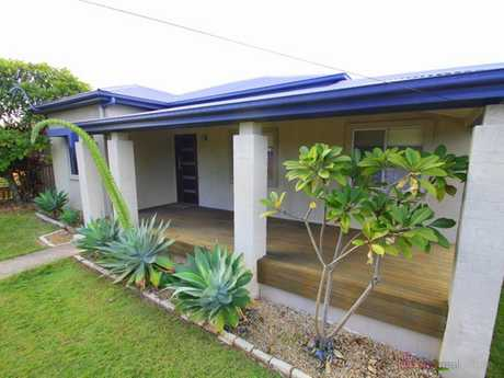 Refurbished home situated midway between CBD and The Jetty and available for a 12 month lease.  * 3...