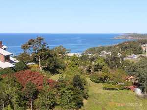 1ha Block with Brilliant Ocean, Hinterland and Coastal Views....
