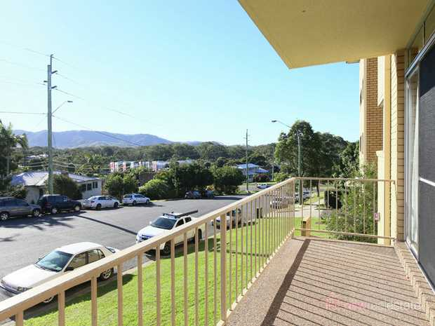Boasting a very convenient positon right in the middle of the Jetty precinct and Coffs CBD with view...