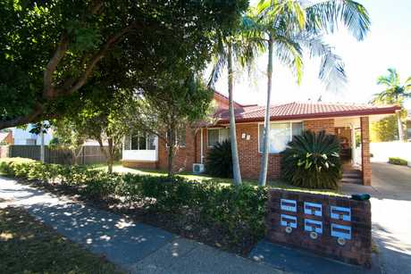 Located in the beachside suburb of Sawtell, this unit is located at the back of the complex and a short...