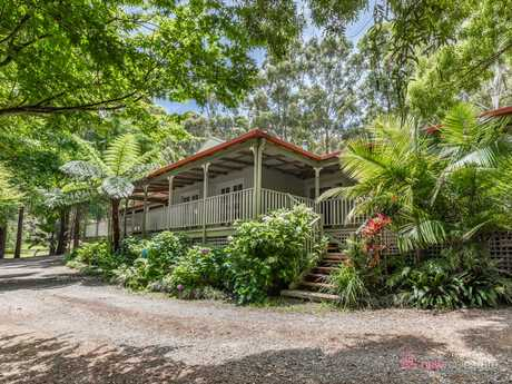 If you are seeking a country lifestyle, then put this property on your inspection list! Only minutes to...