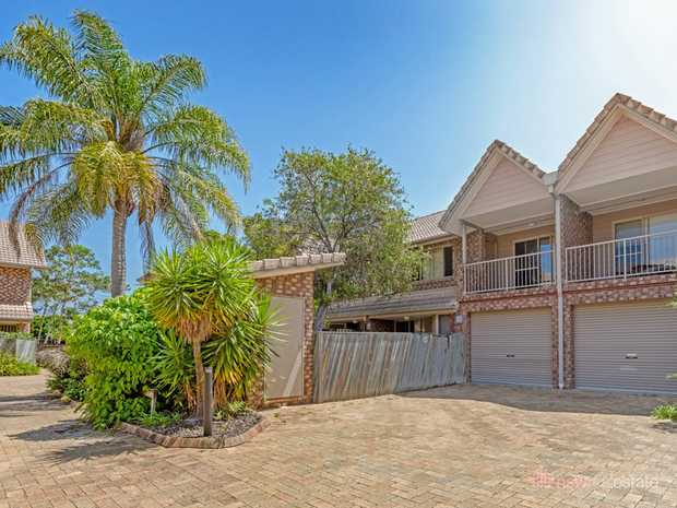 This 3 bedroom townhouse is just 650m walk to the beach and boasts plenty of space inside & out. With...