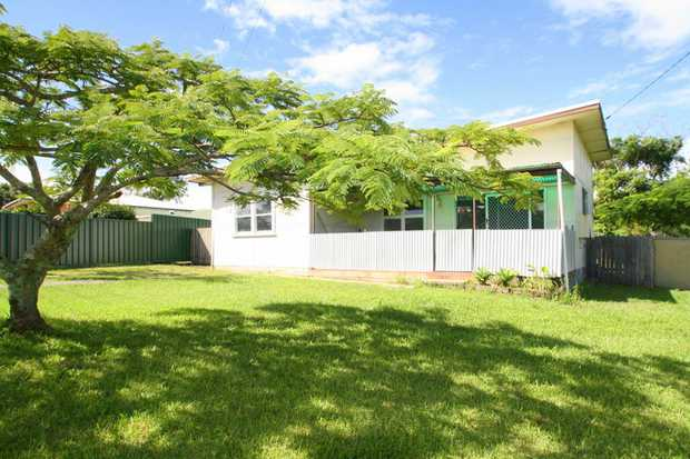 Exclusive to NSW Real Estate, this address just off popular Brodie Drive offers large lounge area wi...