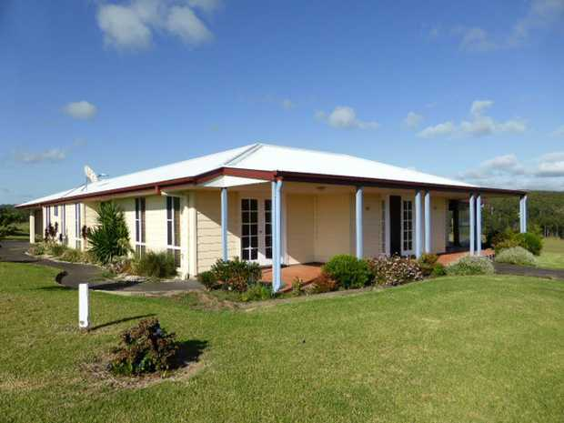 Family home just 8.5kms to Moonee Beach shops and beach but the advantage of quiet lifestyle being o...