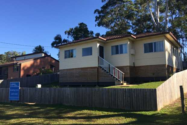 This beautiful 3 bedroom home has been been tastefully renovated and will tick all your boxes. The h...