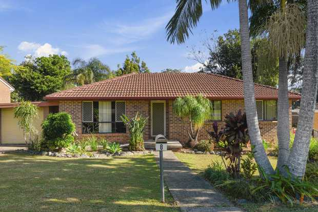 Located virtually on the boundary of Sawtell and Toormina, this home is priced to sell quick! Boasting...