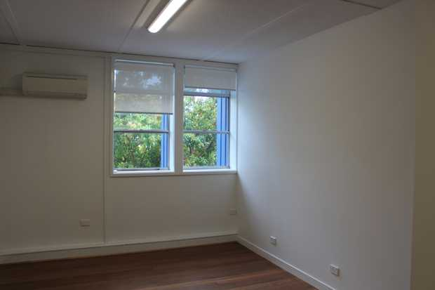 A very neat and usable first floor office space boasting a gross lettable area of 28m2, polished timber...