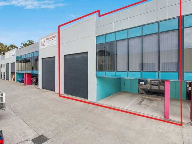 CURRUMBIN'S BEST PREMIUM GRADE OFFICE/WAREHOUSE INDUSTRIAL FACILITY  DJ Stringer Property Services are...