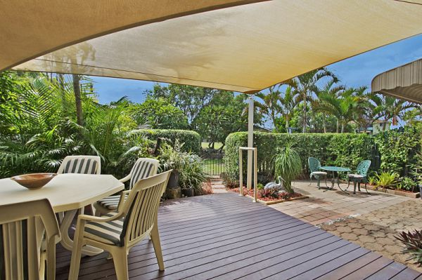 Positioned within a secure complex this spacious ground floor villa is a sought-after property just...