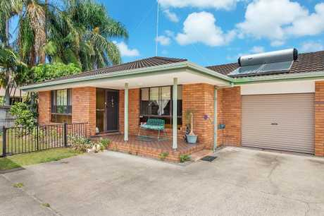 OPEN HOME THIS SATURDAY 16TH FEBRUARY AT 10:00 - 10:30 AM (NSW TIME)   STANDOUT FEATURES  - Two...