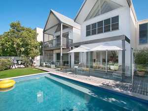 STUNNING BEACHSIDE HAMPTON'S INSPIRED RESIDENCE @ SALT