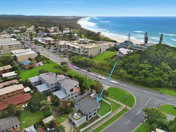 Enjoy the lifestyle that the beautiful beach side township of Cabarita Beach offers. This ground floor...