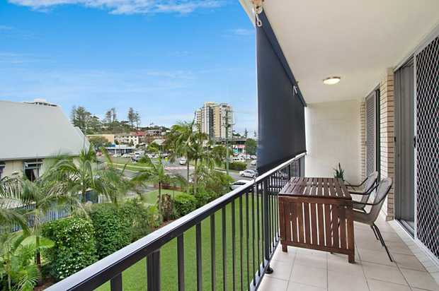 Neat and tidy unit in the heart of Coolangatta. Spacious bedrooms with built in robes and ceiling fans.