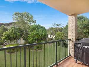 Perfectly Positioned Apartment - 850 Metres to Kirra Beach