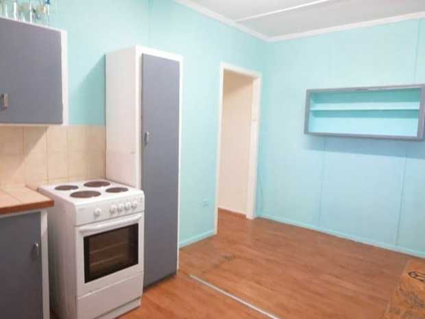 Basic ground floor unit in the heart of Coolangatta  FEATURES   - clean and tidy three bedrooms...