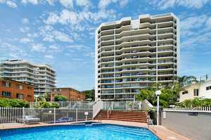 Coastal Lovers Lifestyle in The Heart of Rainbow Bay
