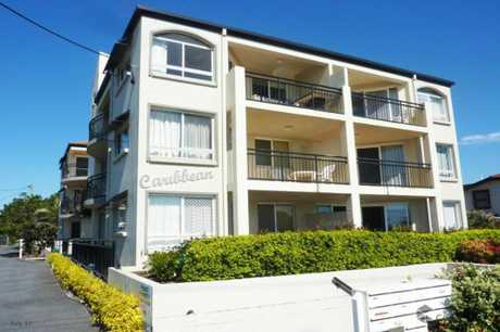 This two bedroom, unfurnished top floor unit is in a great location, and is close by to everything...