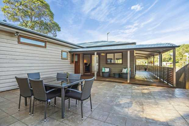 OPEN HOME THIS SATURDAY 16TH DECEMBER  AT 10:00 - 10:30AM NSW DST  The owners of this renovated, d...