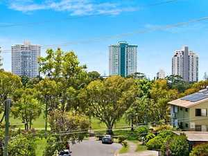Short Level Walk to The Heart of Coolangatta