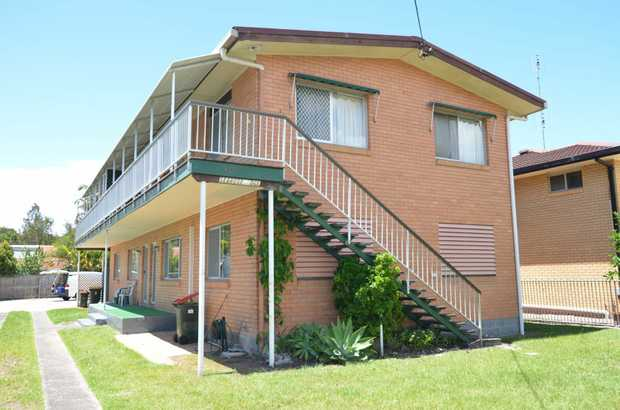 Located a short drive to Coolangatta or Tweed Heads this ground floor unit is freshly painted and re...