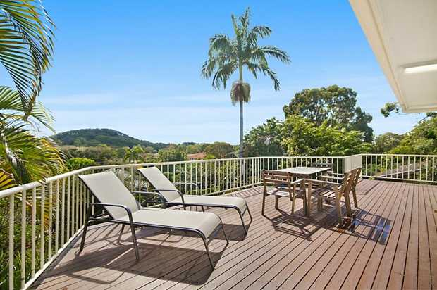 Nestled in a  hidden cul-de-sac just moments from Currumbin's famous beachfront and surrounded by ma...