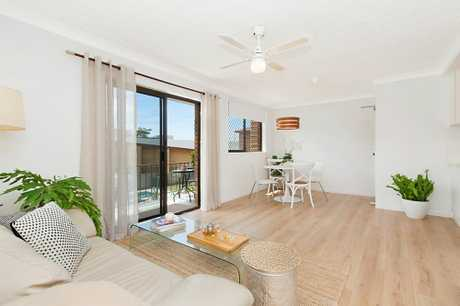 OPEN HOME THIS SATURDAY 15TH DECEMBER AT 12:00 - 12:30 PM (NSW DST)   Conveniently positioned in the...