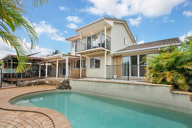 Elevated on a Massive 810m2 corner block capturing Ocean Views.  Commanding an impressive corner...