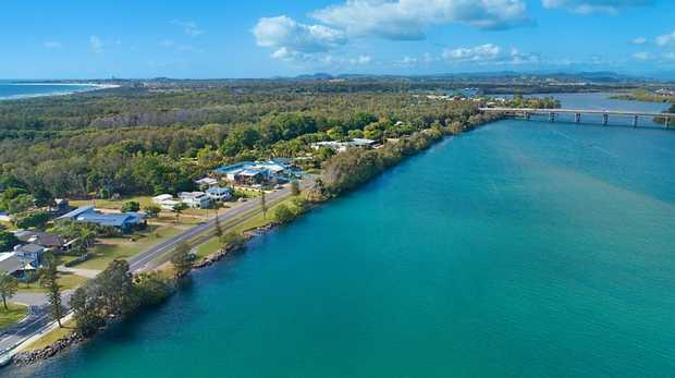 Seclusion, tranquility and a relaxed coastal lifestyle is what this solid home on a prime 1012m2 block...