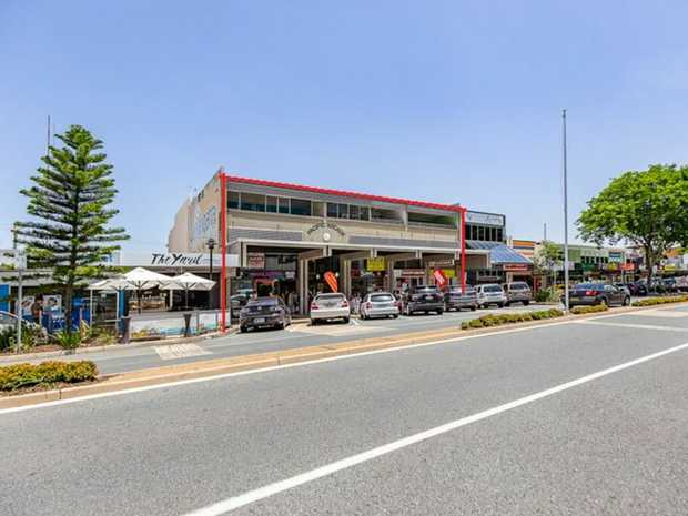 Prime position in central Coolangatta with high exposure to all traffic loads. Long established...