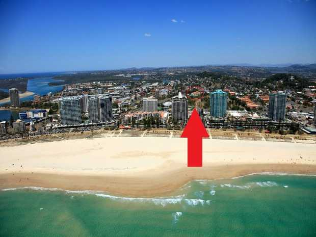 This spacious open plan Coolangatta apartment enjoys a prime position overlooking Goodwin park. The...