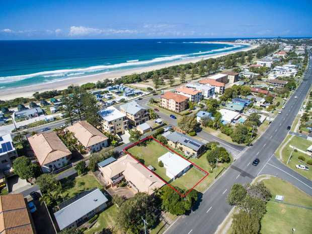 This prime piece of land is approximately 777m2 with an approximate 19.5m frontage and length of 40.3m...