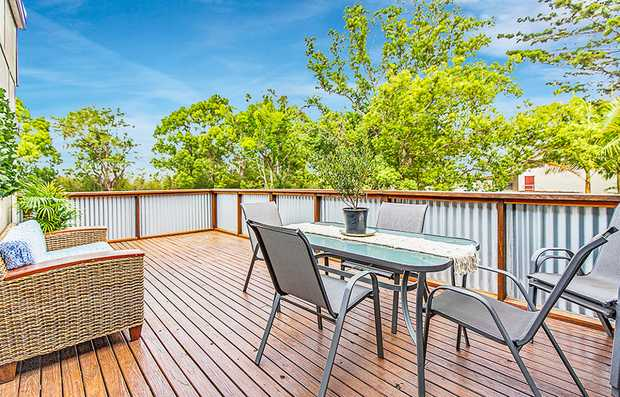 Set in a very quiet street with the stunning Tweed River 100m away and a children's playground just...